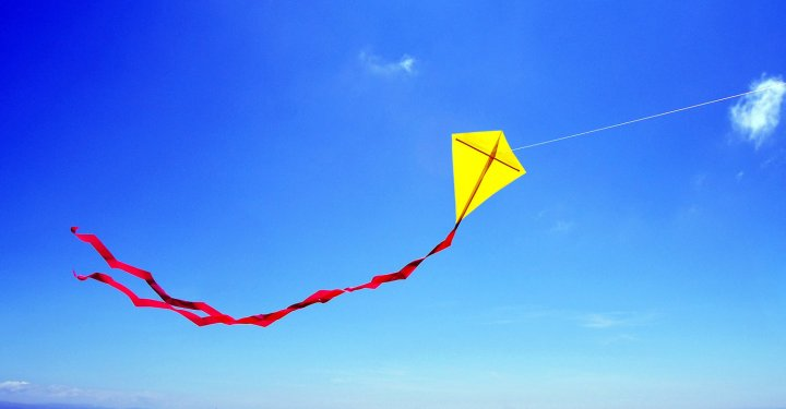 DIY – Build your own kite!
